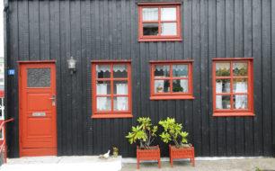 Dveře, okna, dveře…